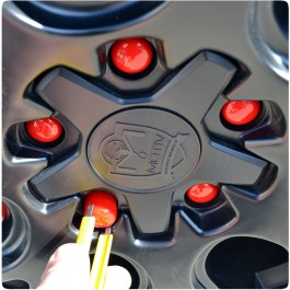 SlingLugz Colored Vinyl Lug Nut Covers for the Polaris Slingshot (15 Pack)