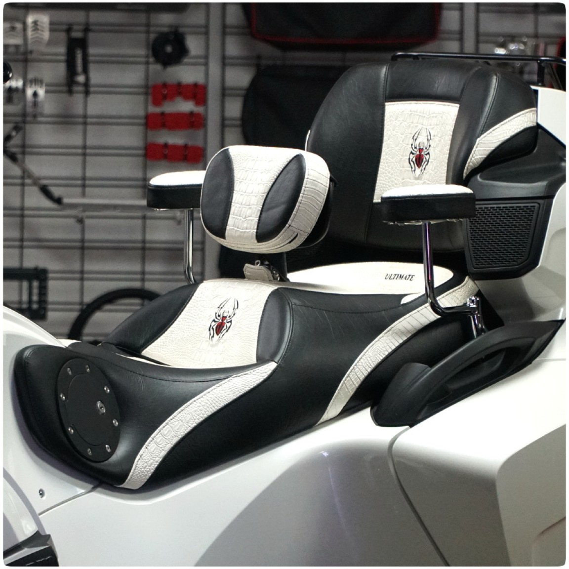Ultimate Seats Online Custom Seat Builder for the Can-Am Spyder RT (2010-19)